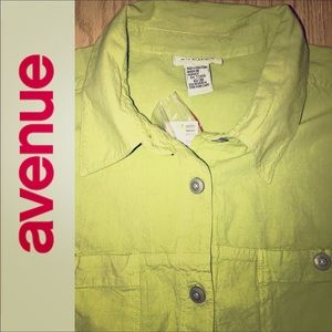 Avenue Button Down, 2 Pockets Top